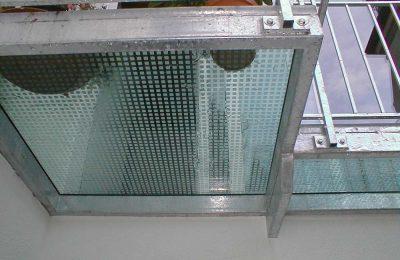 Begehbares-Glas-m.-Siebdruck